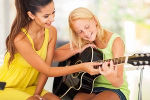 Guitar females